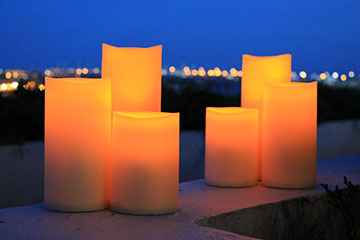 OUTDOOR AND WATERPROOF LED CANDLES WITH TIMER